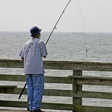Pier fishing tips tips on how to fish off a pier for Saltwater pier fishing